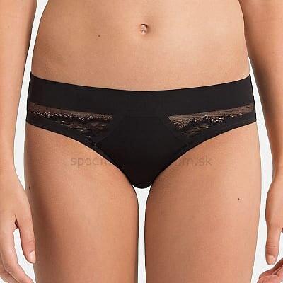 a5a208a1e8 Calvin Klein čipkované klasické nohavičky F1996E čierna 001
